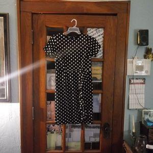 Dresses & Skirts - Black and white pocadot dress